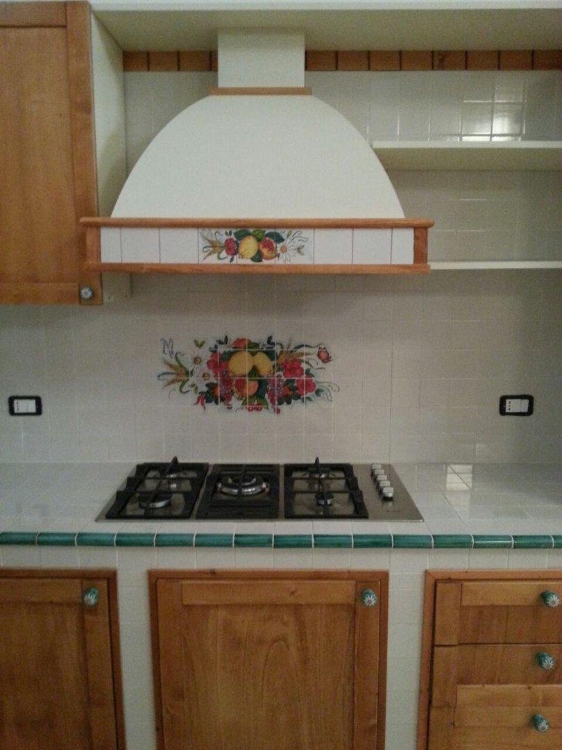 Beautiful mattonelle di vietri per cucina gallery home for Esempi di cucine in muratura