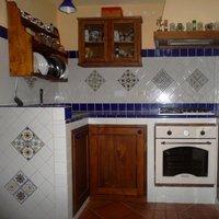 Rivestimenti Vietresi: Cucina in Muratura con le Mattonelle di Vietri