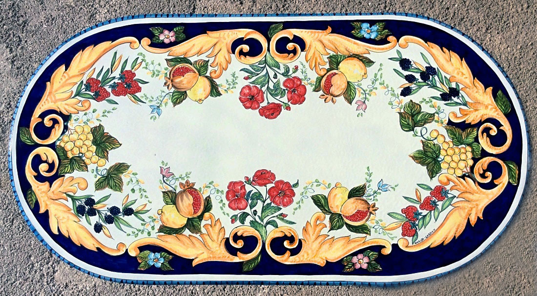 Tavolo in pietra lavica ovale frutta e papaveri