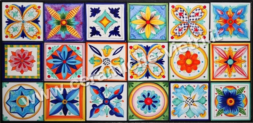 Tavoli Da Giardino In Ceramica Usati.Tavoli Piastrellati Ceramiche Di Vietri Piastrelle Pannelli E