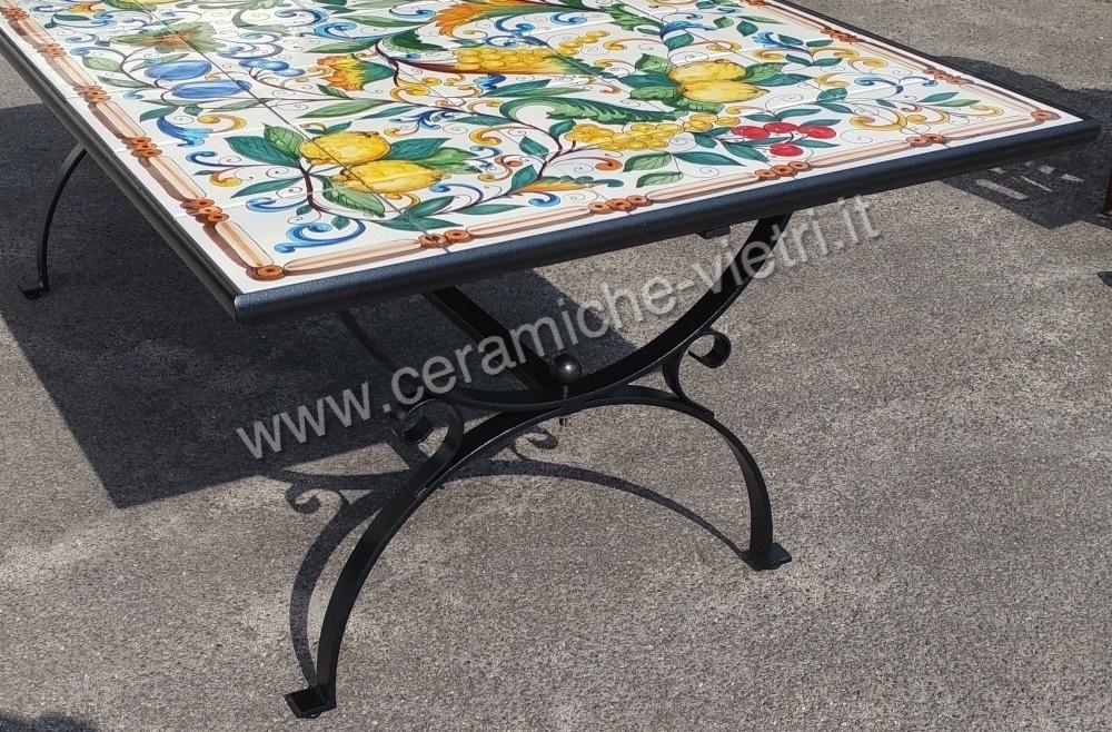 Tavolo da Giardino Piastrellato Uva con base in Ferro Battuto